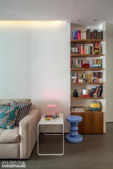 Apartamento pequeno, masculino e descolado